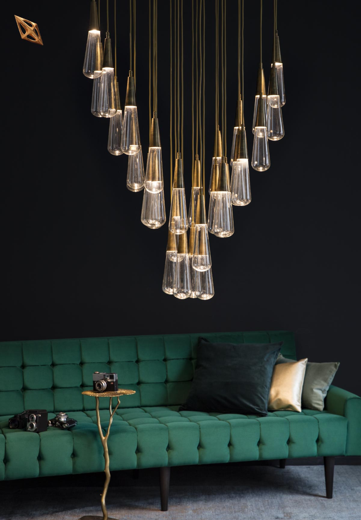 bouwebcollectionkadraj_artizen chandelier – 1780 sofa- lotus coffee table